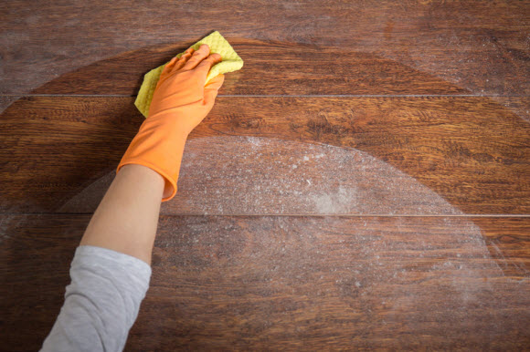 Cleaning-Wood
