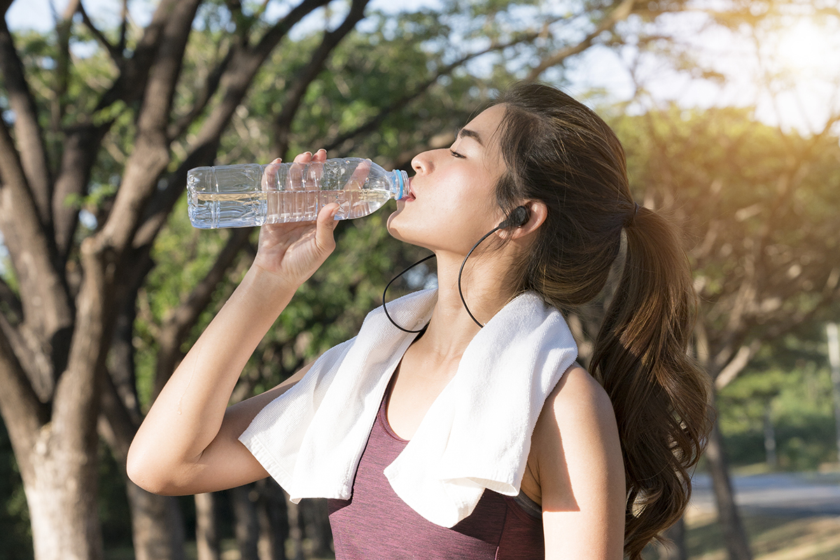 How to clean a reusable water bottle   bio-home by Lam Soon